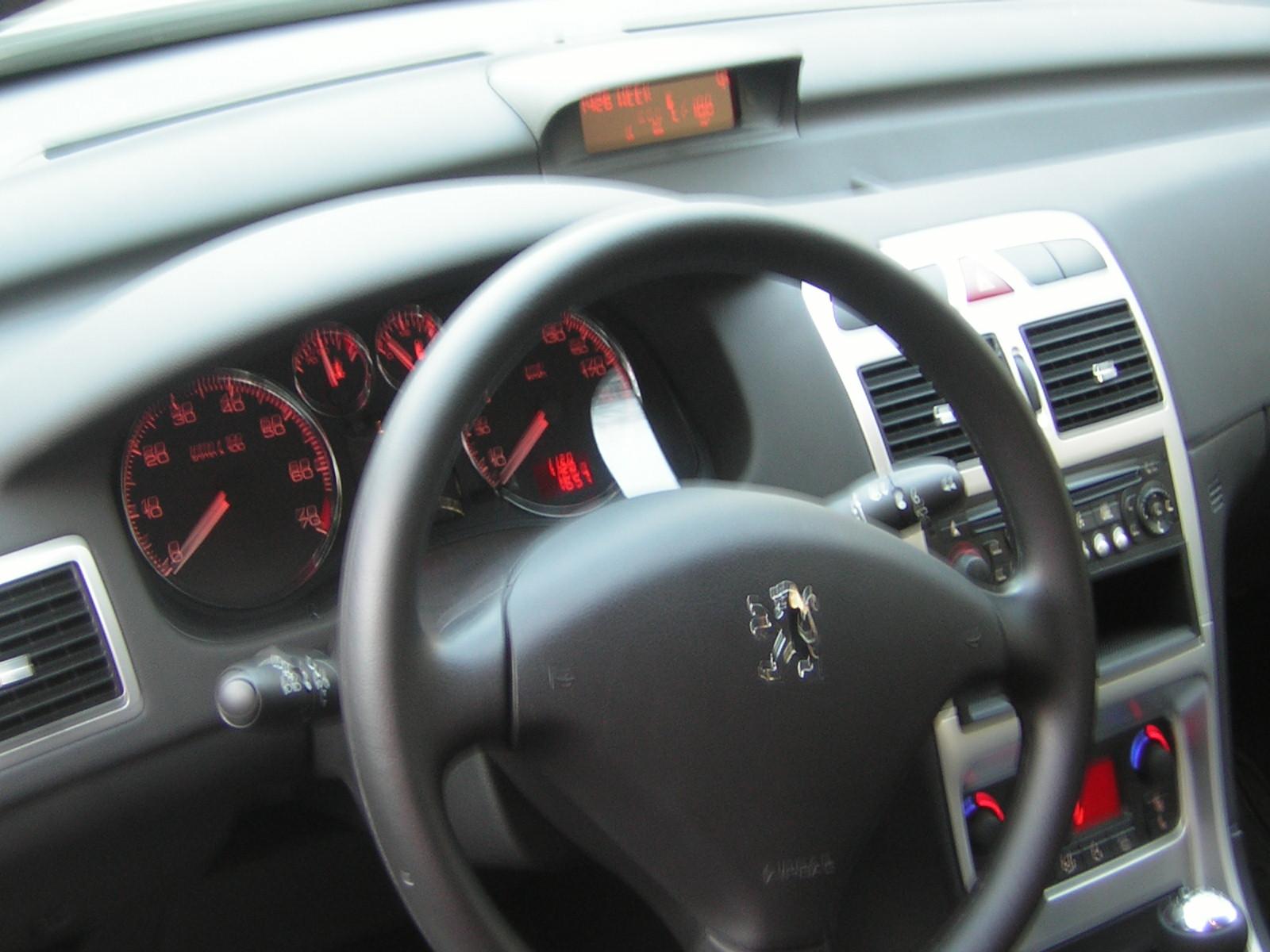 Peugeot 307 interior styling images for Inside 2007 online