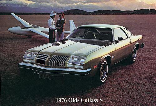 Oldsmobile Cutlass Supreme 1976. Picture of 1976 Oldsmobile