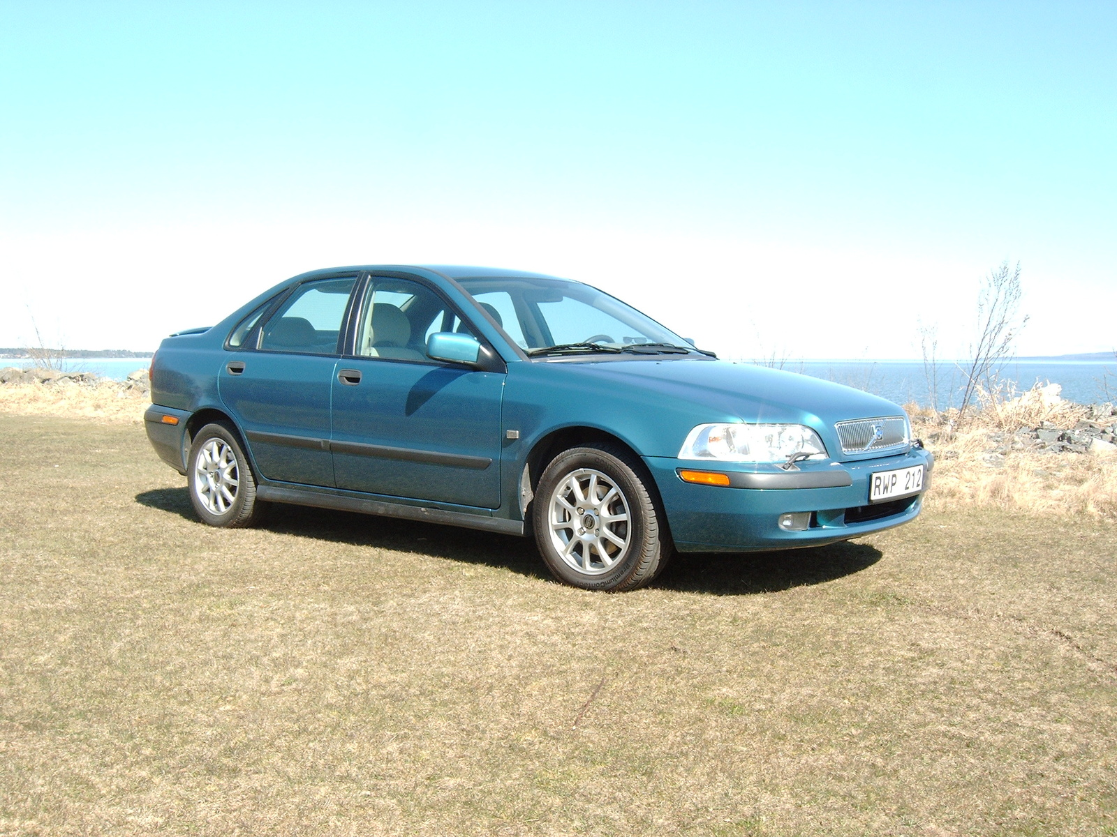 2001 Volvo S40 STD picture