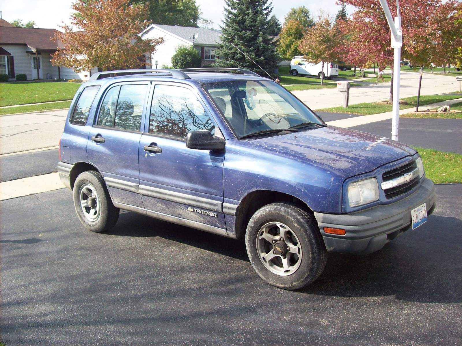 1999 Chevrolet Tracker 4 Dr STD 4WD SUV picture