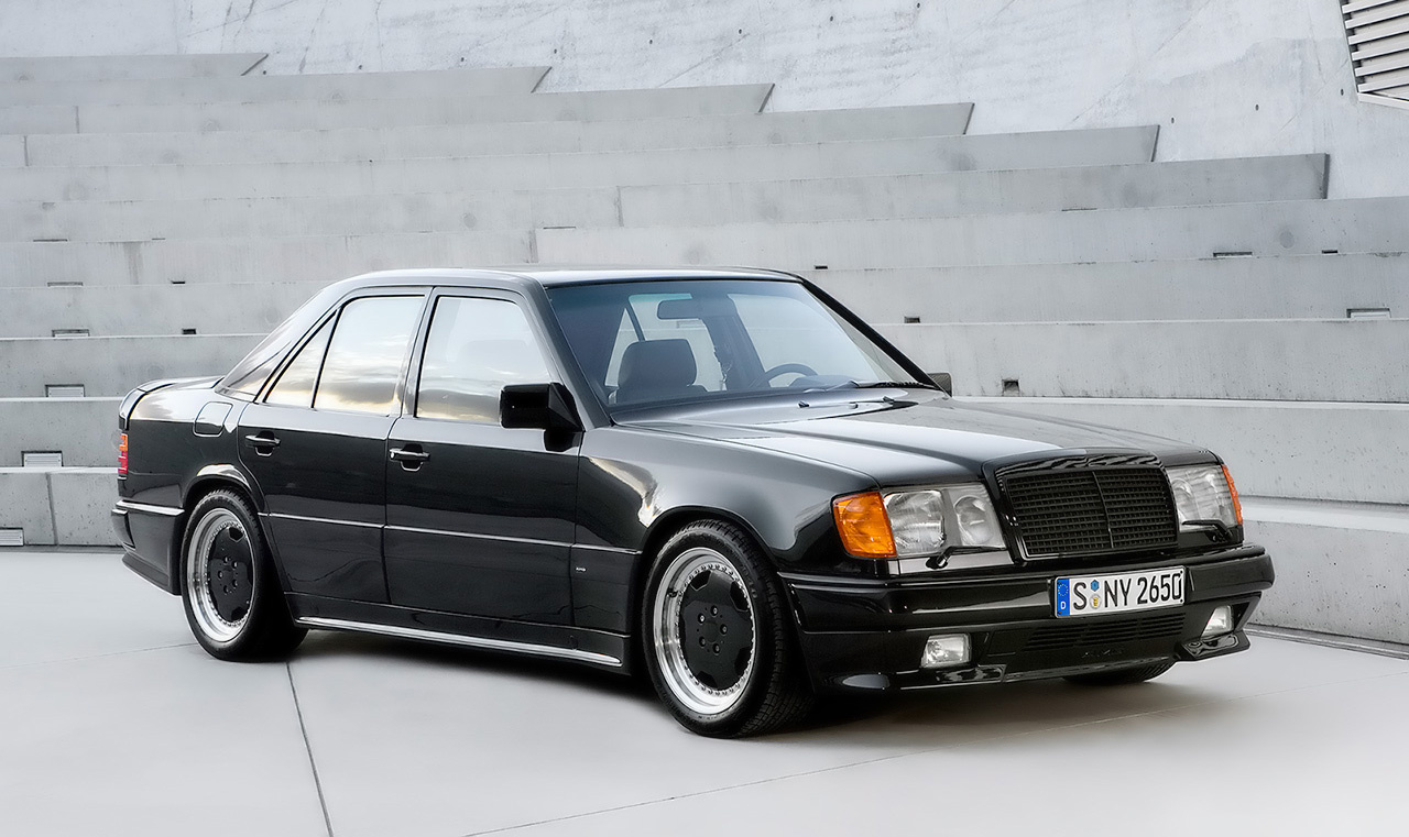 Mercedes benz 300 class overview cargurus for Mercedes benz 300