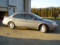 2004 Ford Taurus Overview