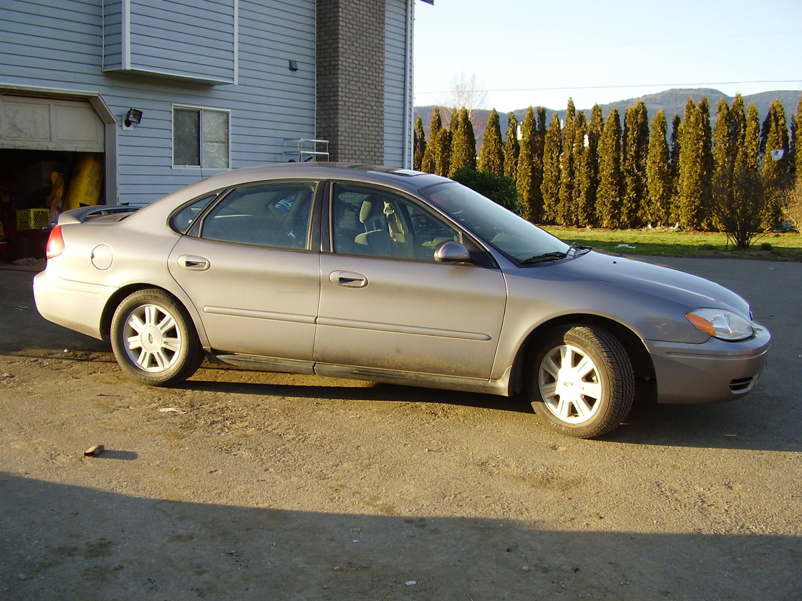 2008 Ford Taurus SEL picture