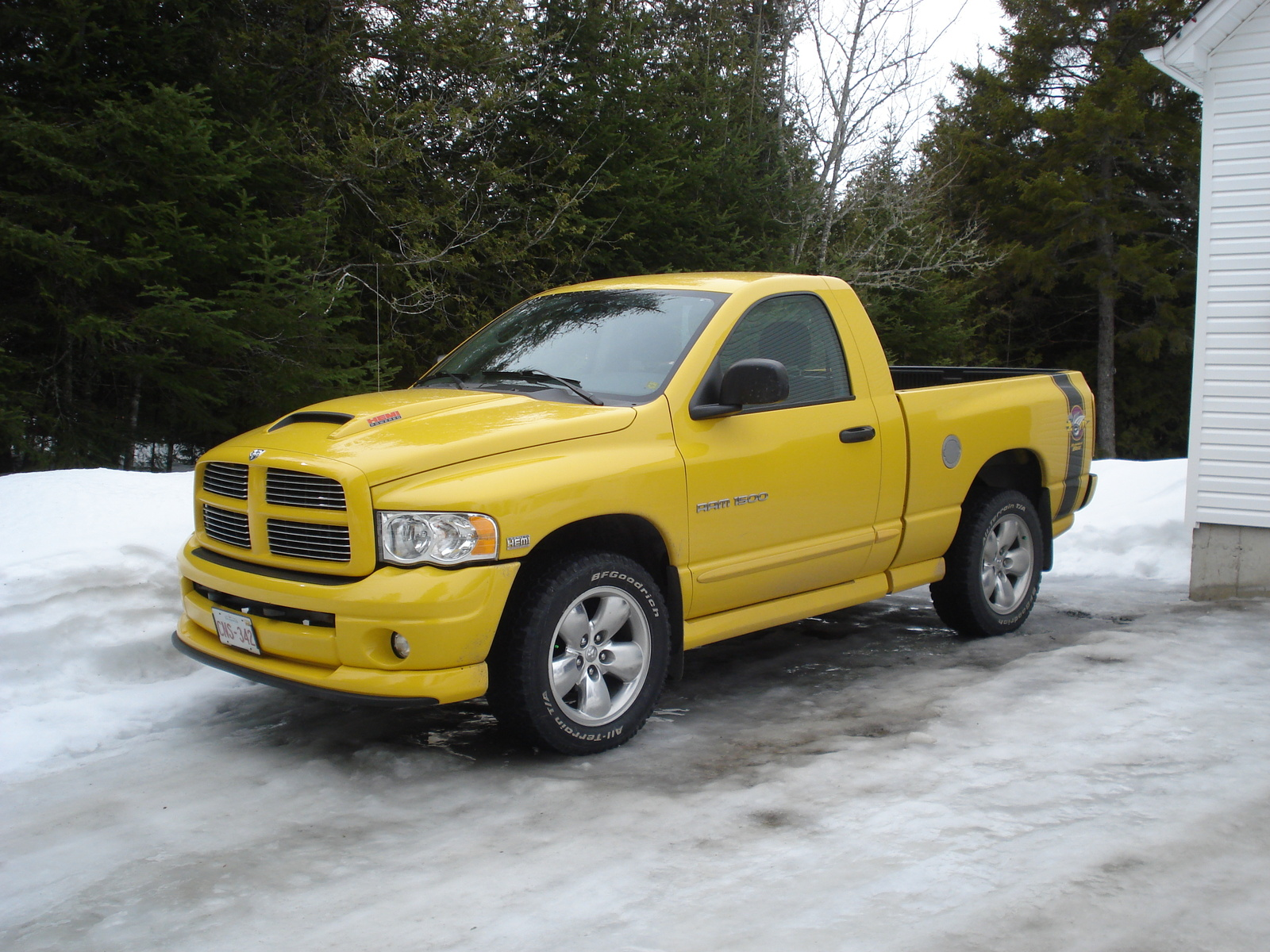 2005 Dodge Ram Pickup 1500 2 Dr Laramie 4WD Standard Cab SB picture