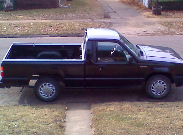 Picture of 1992 Mitsubishi Mighty Max Pickup 2 Dr One Ton Mighty Max Standard Cab LB