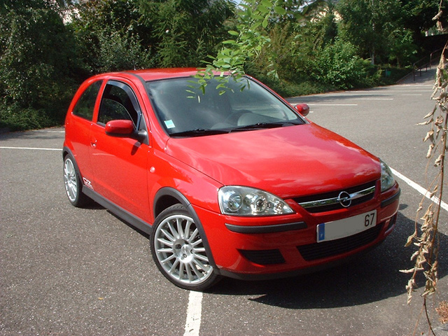 Picture of 2004 Opel Corsa