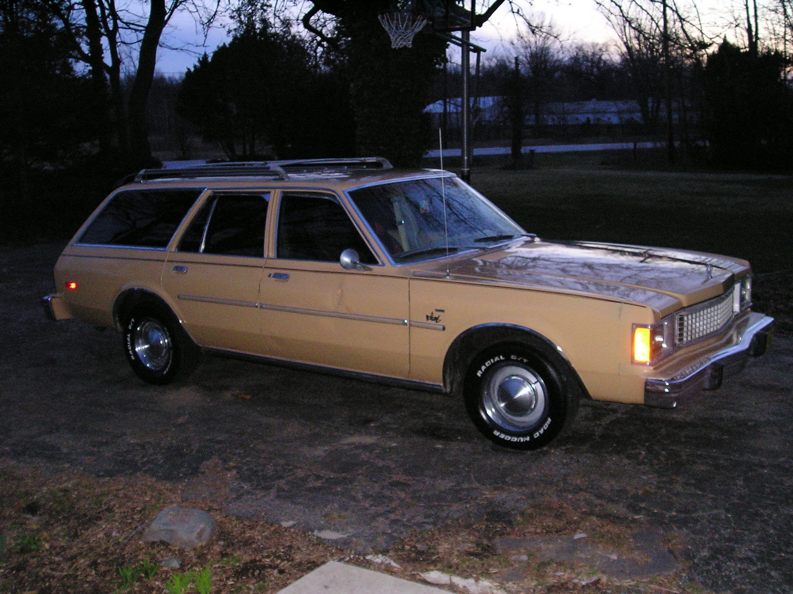 1980 plymouth voyager with 1980 Plymouth Volare Pictures C19014 Pi35650937 on Mercury Topaz also File 2nd Dodge Caravan also Mercury Cougar additionally 1969 Plymouth Road Runner Pictures C9354 pi35831592 moreover Plymouth Ch.