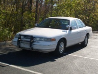 1995 Ford Crown Victoria Overview