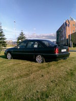 1994 Opel Omega Overview