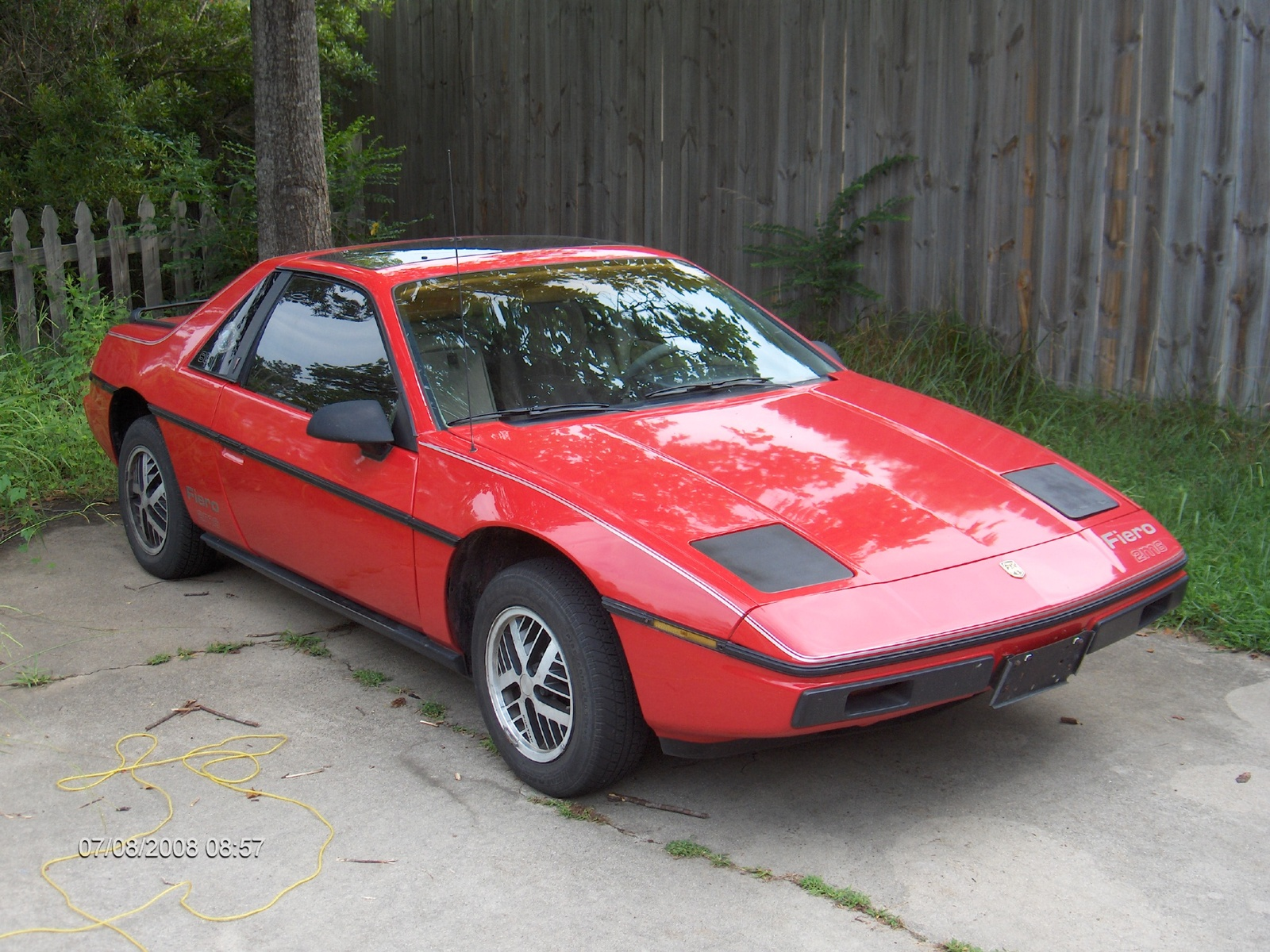 1985 pontiac fiero exterior pictures cargurus. Black Bedroom Furniture Sets. Home Design Ideas
