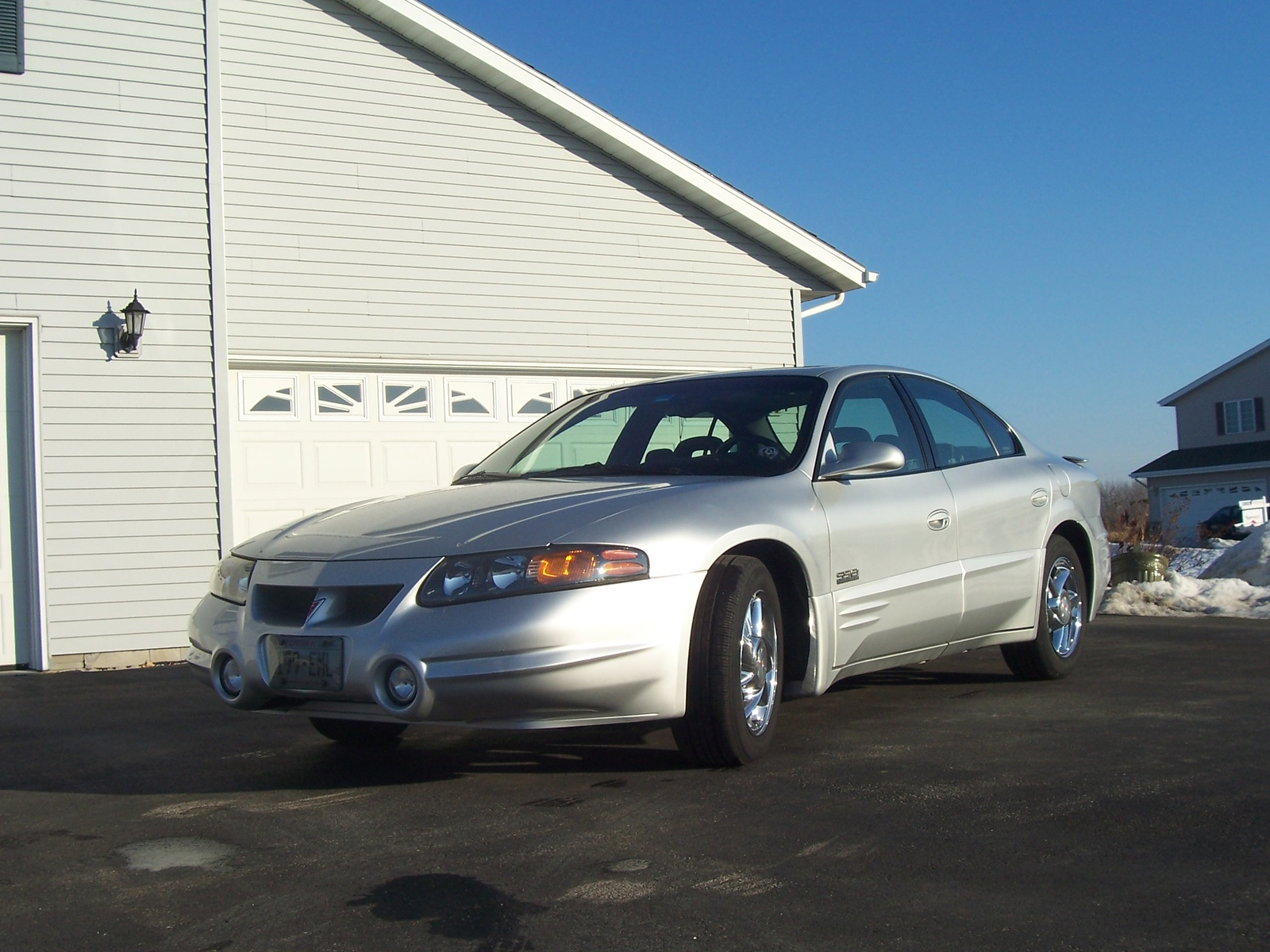 2001 pontiac bonneville ssei interior with 2000 Pontiac Bonneville Pictures C3309 Pi35653365 on Controls 43560542 together with Engine further 726 2001 Pontiac Bonneville White Wallpaper 1 in addition Exterior 49172195 also Famous 1996 Pontiac Bonneville Interior.