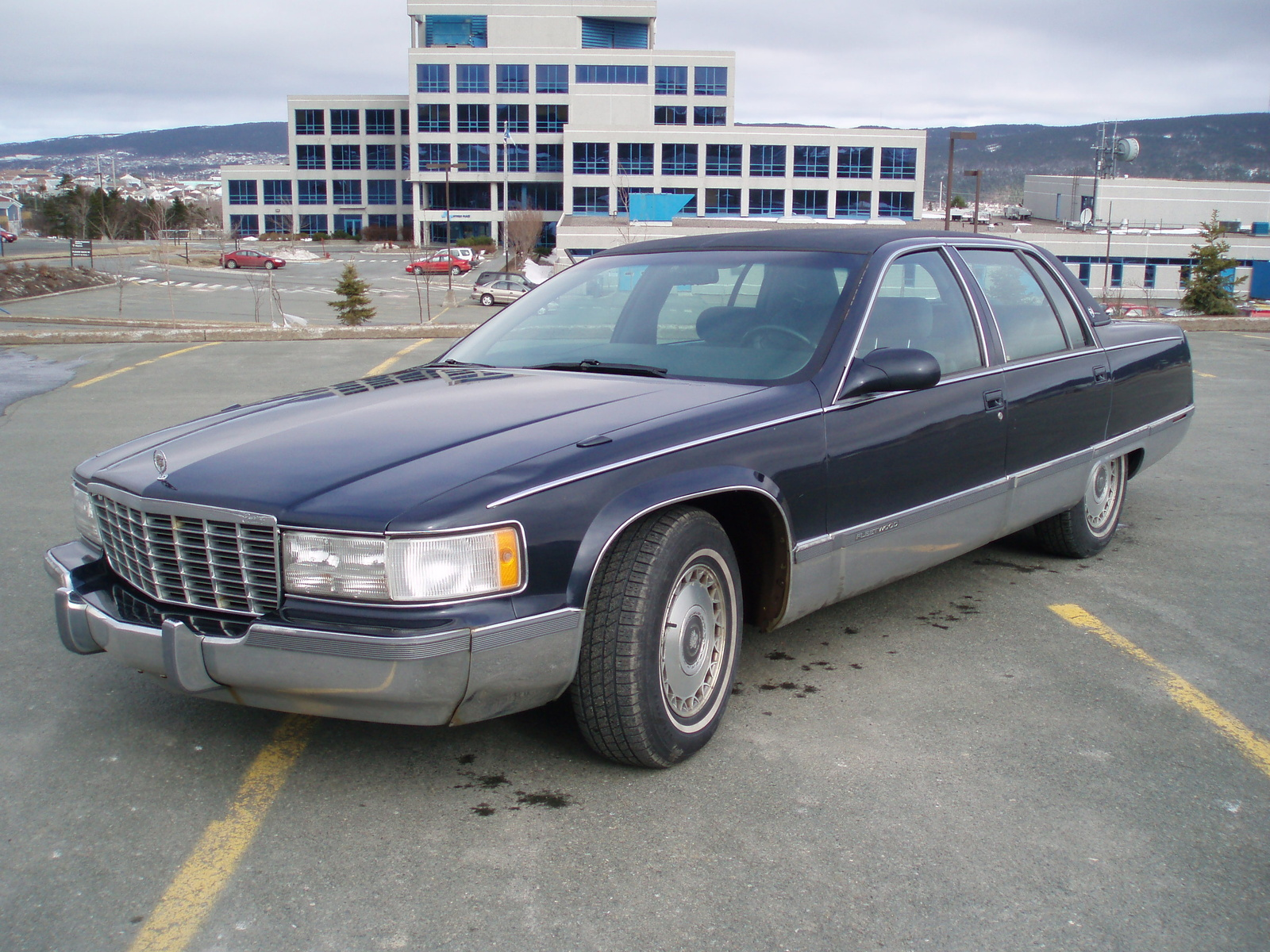 picture of 1995 cadillac fleetwood base sedan exterior. Cars Review. Best American Auto & Cars Review