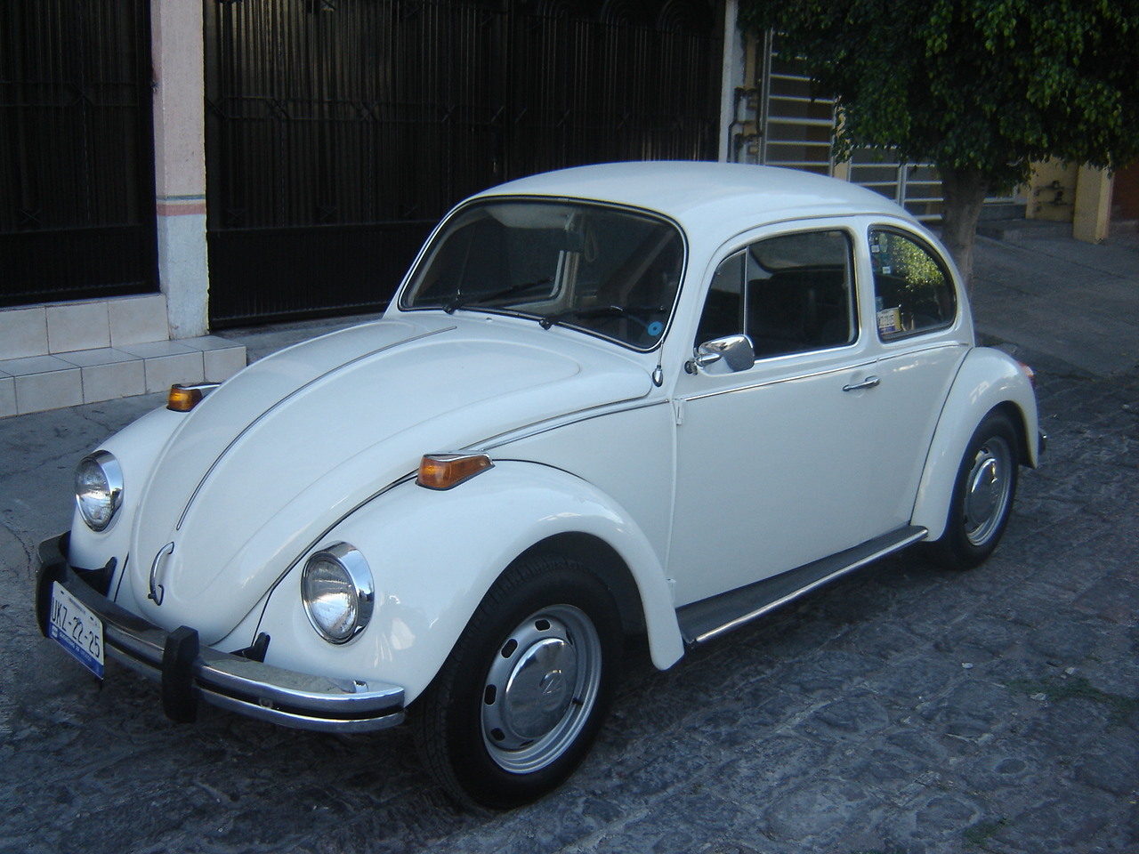 1974 volkswagen beetle classic automobiles. Black Bedroom Furniture Sets. Home Design Ideas