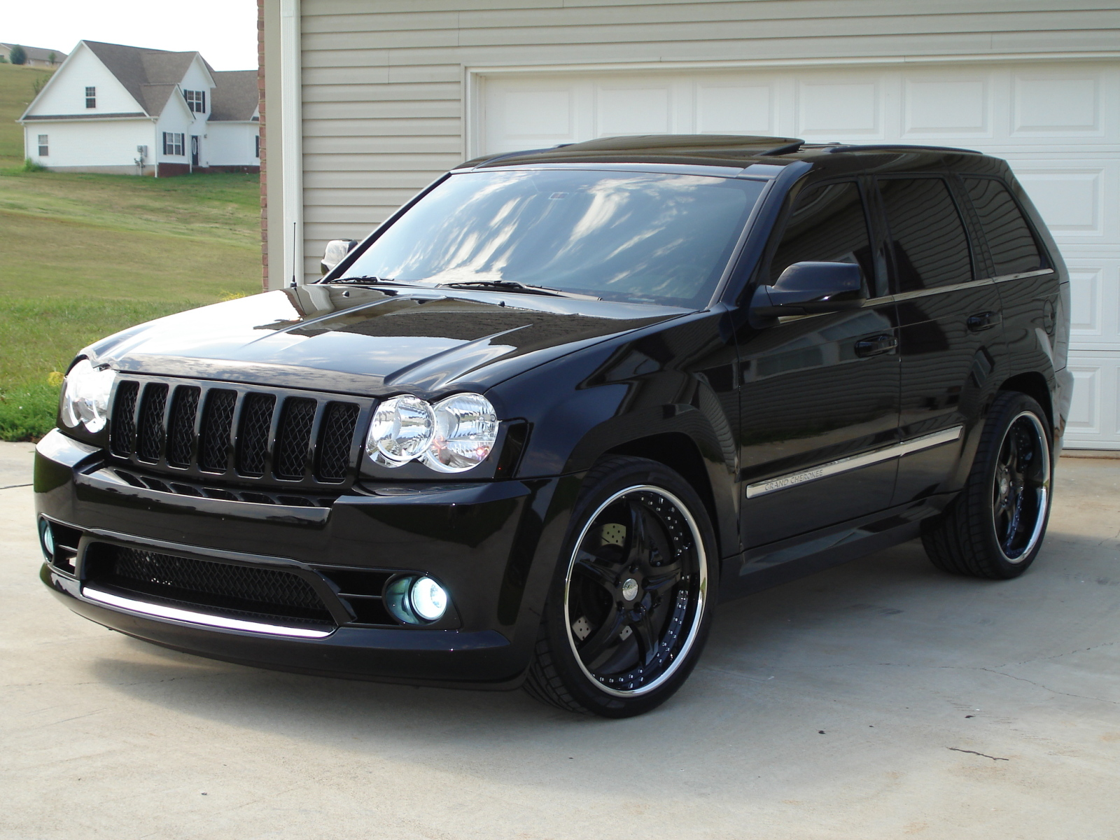 2006-jeep-grand-cherokee-srt8-pic-41810.jpeg