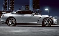 2010 Nissan GT-R, Right Side View, exterior, manufacturer