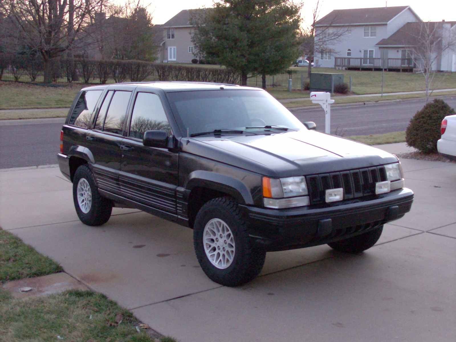 1993 Jeep Grand Cherokee 4 Dr Limited 4WD SUV picture