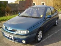 1998 Renault Laguna Overview