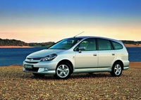 2004 Honda Stream Overview