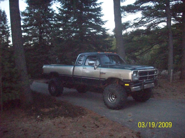Dodge Ram Dr Le Wd Extended Cab Lb Pic X on 1986 Dodge Dakota Extended Cab