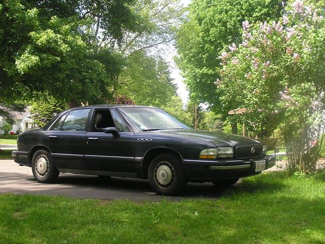 Buick Lesabre Dr Custom Sedan Pic X on 1985 Buick Lesabre Specs