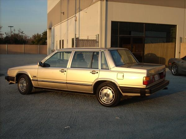 Picture of 1986 Volvo 760