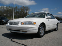 2002 Buick Regal Overview