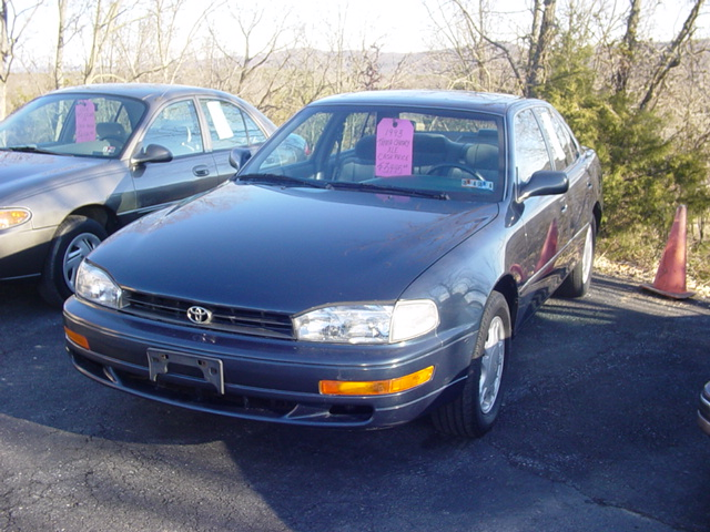 1993 Toyota Camry 4 Dr XLE V6 Sedan picture, exterior