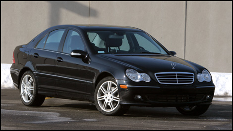 2007 Mercedes C280 Review http://www.cargurus.com/Cars/2007-Mercedes-Benz-C-Class-C280-Luxury-Overview-t25020