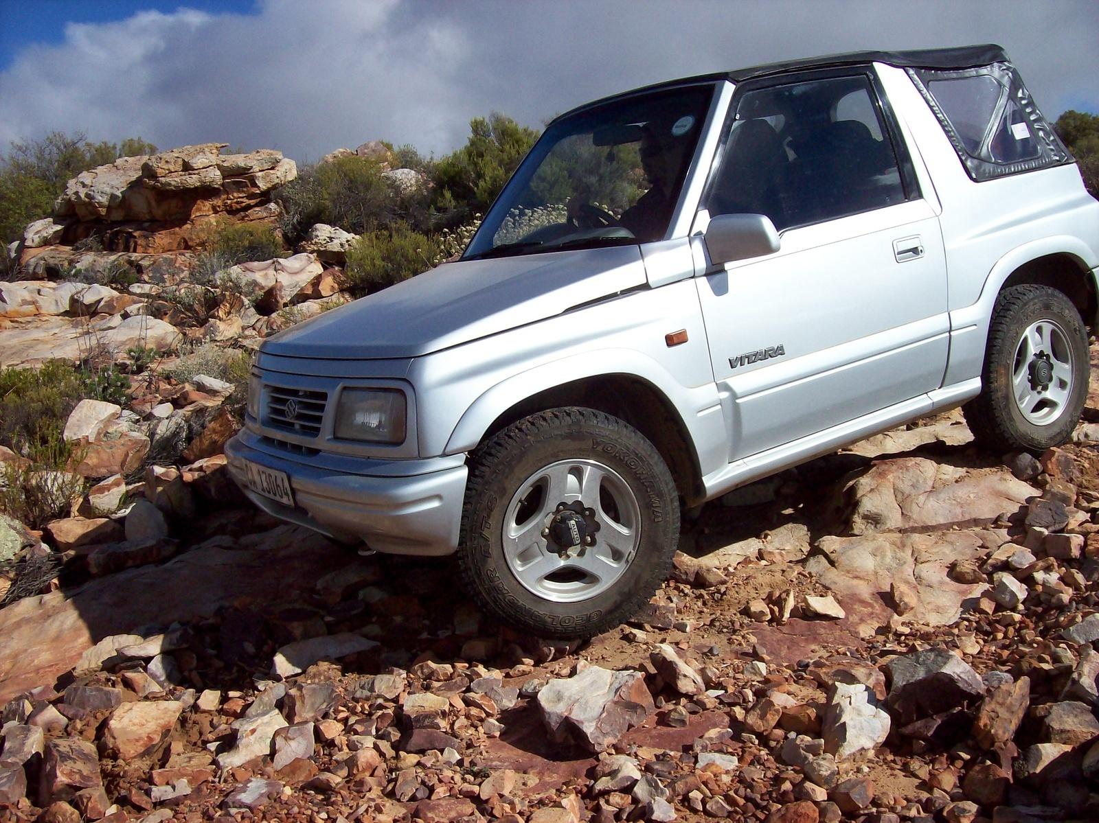 1999 Suzuki Vitara Overview
