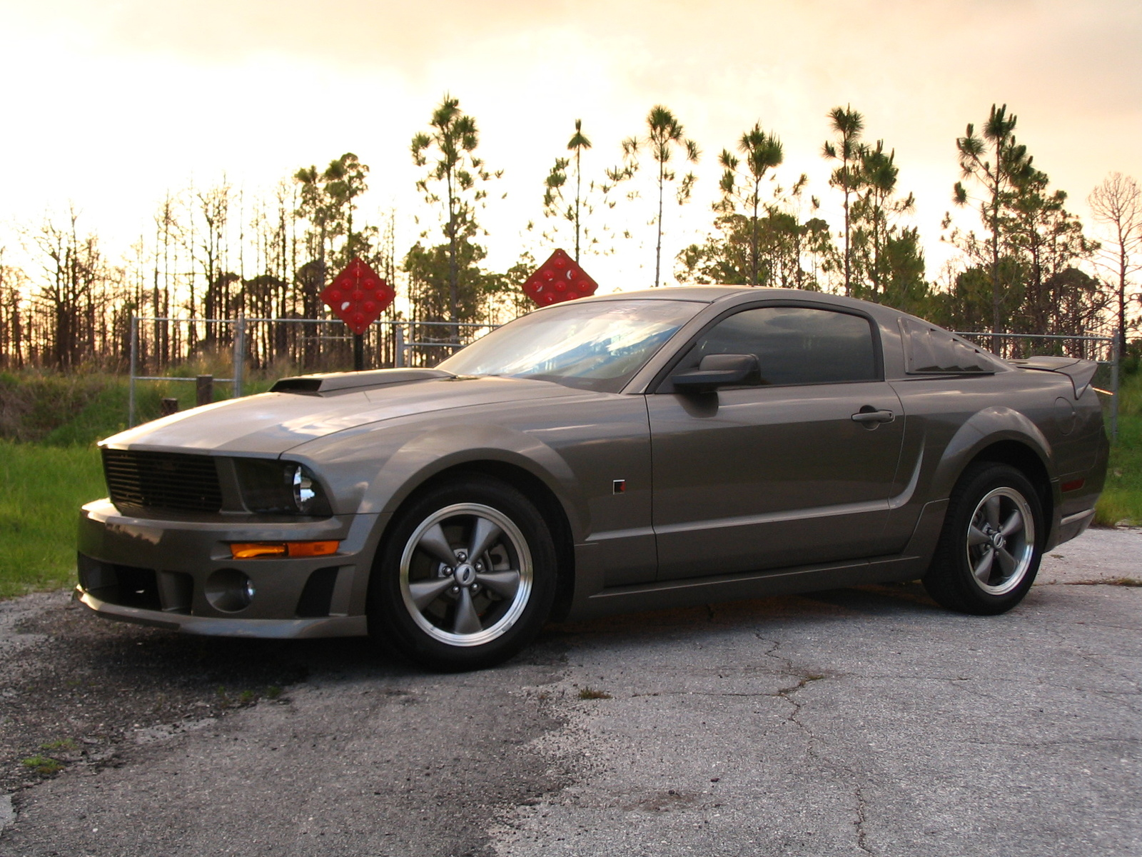 2005 ford mustang gt price car autos gallery. Black Bedroom Furniture Sets. Home Design Ideas