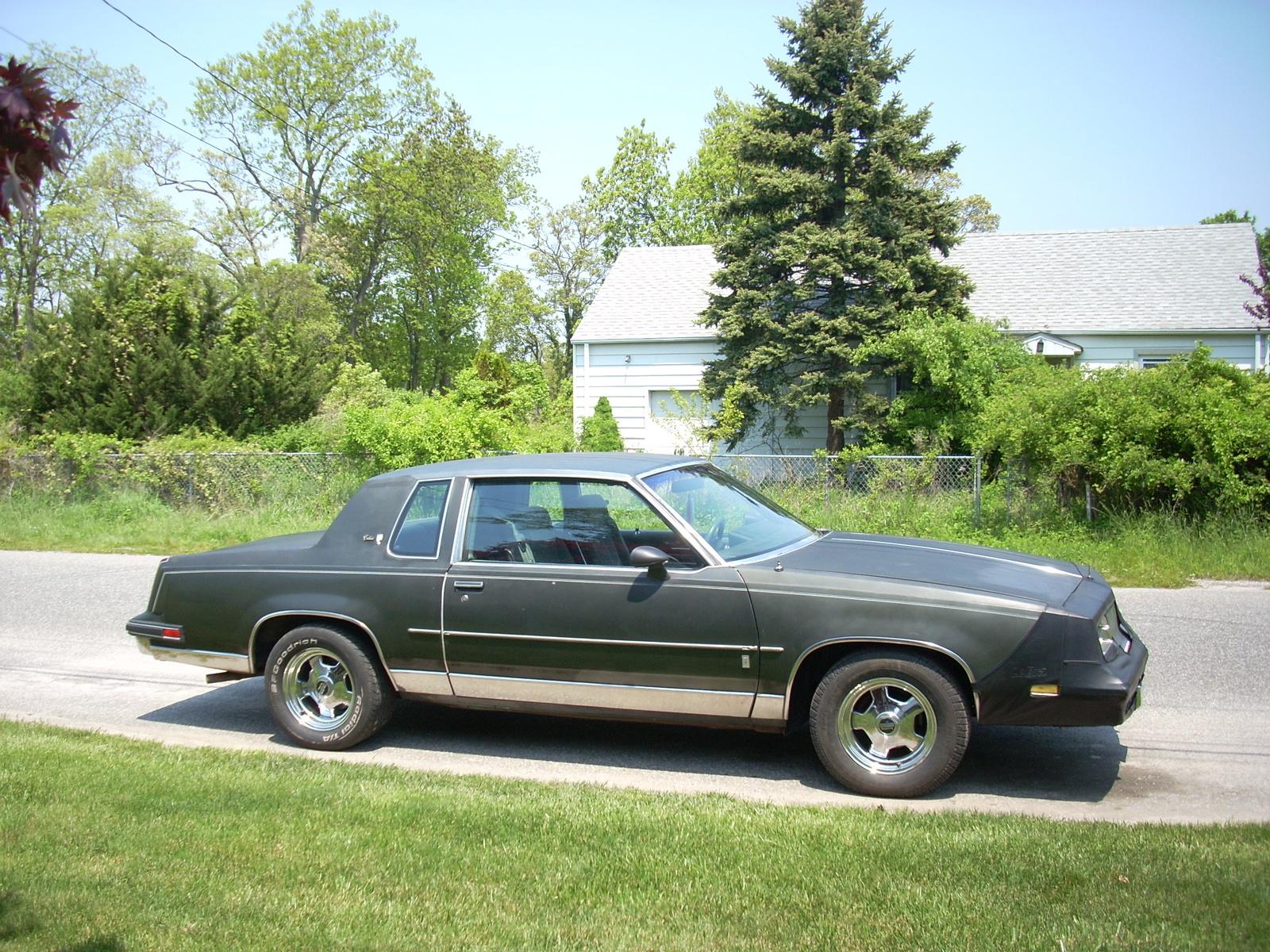 1983 Oldsmobile Cutlass Supreme, 1985 Oldsmobile Cutlass Calais ...