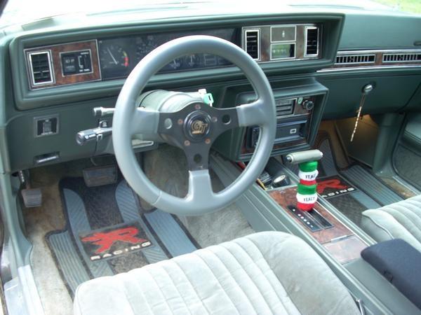 Oldsmobile Cutlass Calais Pic X