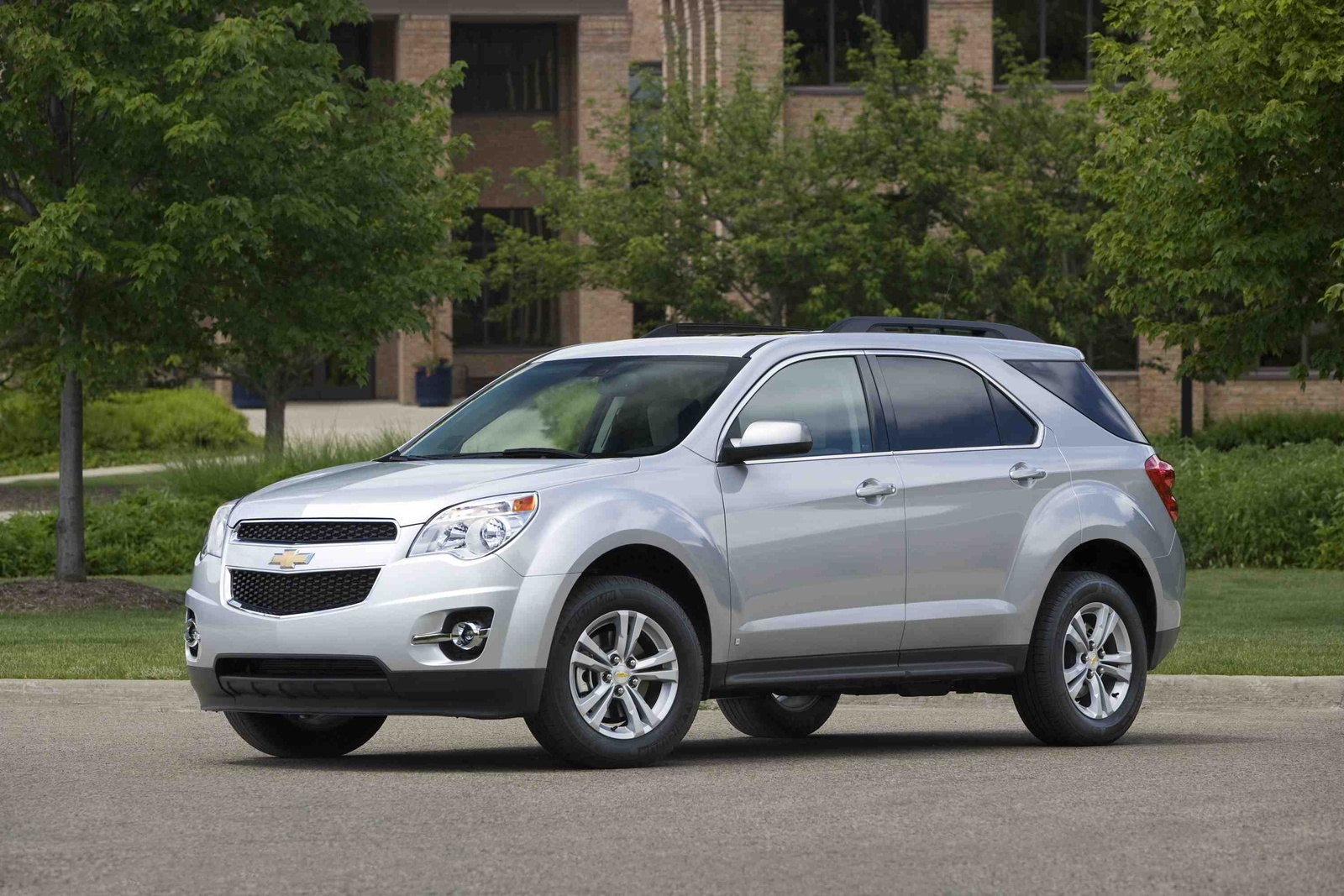 2010 Chevrolet Equinox, Front Left Quarter View, manufacturer, exterior