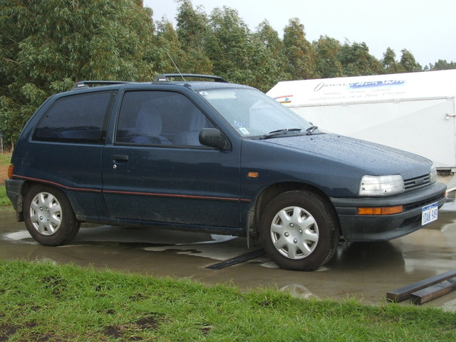 Picture of 1992 Daihatsu Charade
