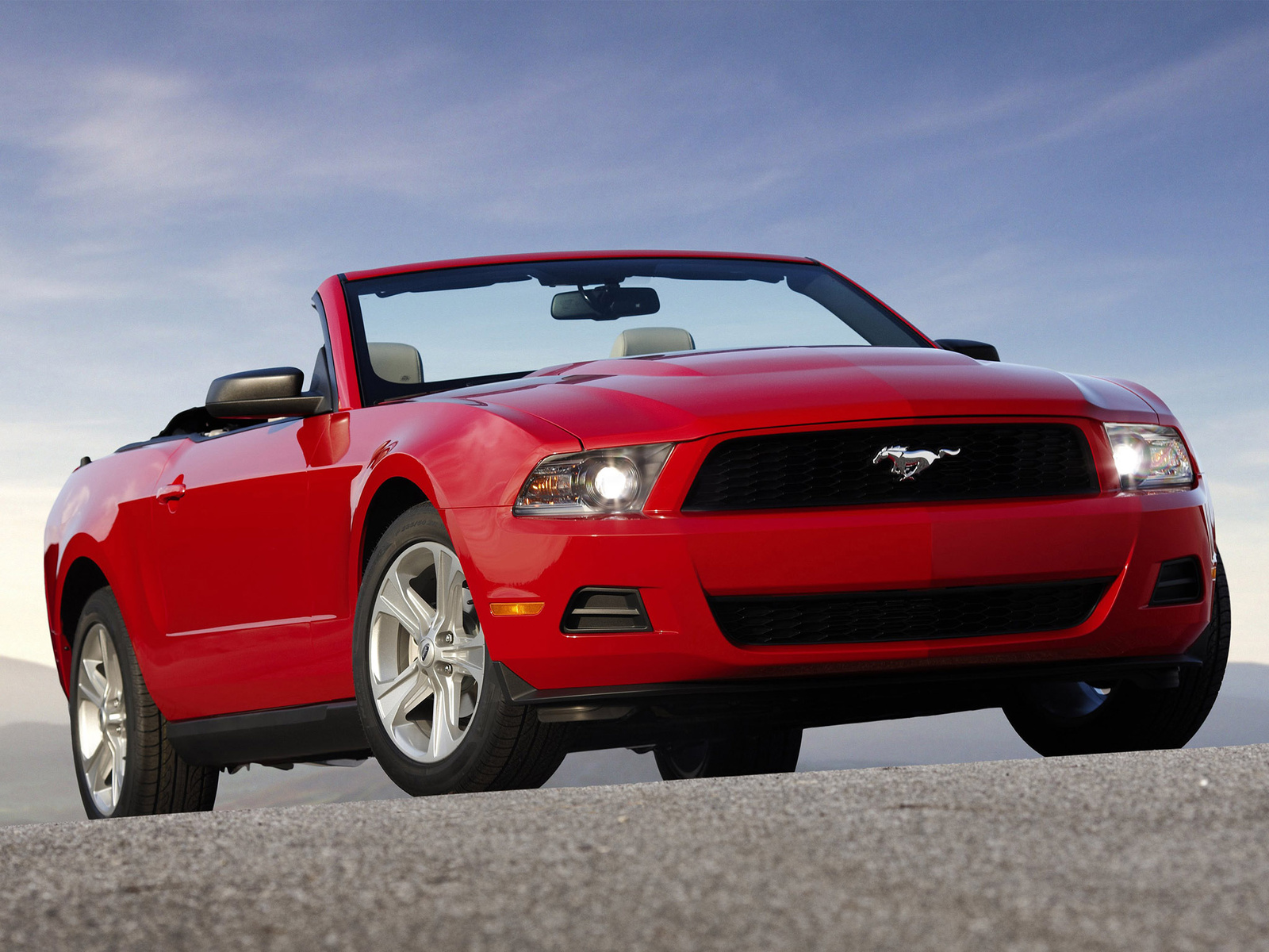 2010 ford mustang pictures cargurus. Black Bedroom Furniture Sets. Home Design Ideas