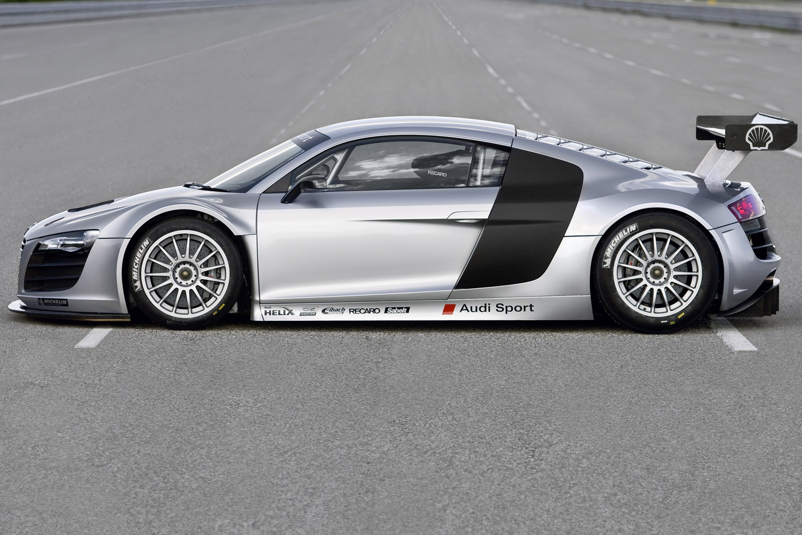 2010 audi r8 pictures cargurus. Black Bedroom Furniture Sets. Home Design Ideas