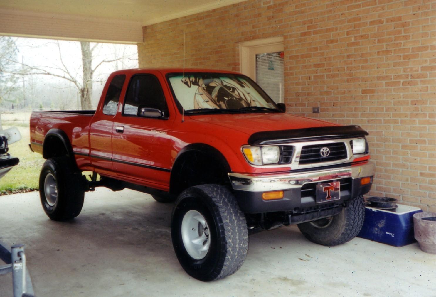 TOYOTA TACOMA 4WD