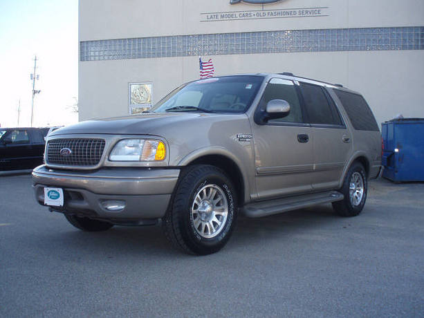 Ford expedition xlt 2003 model for Motor oil for 2003 ford expedition