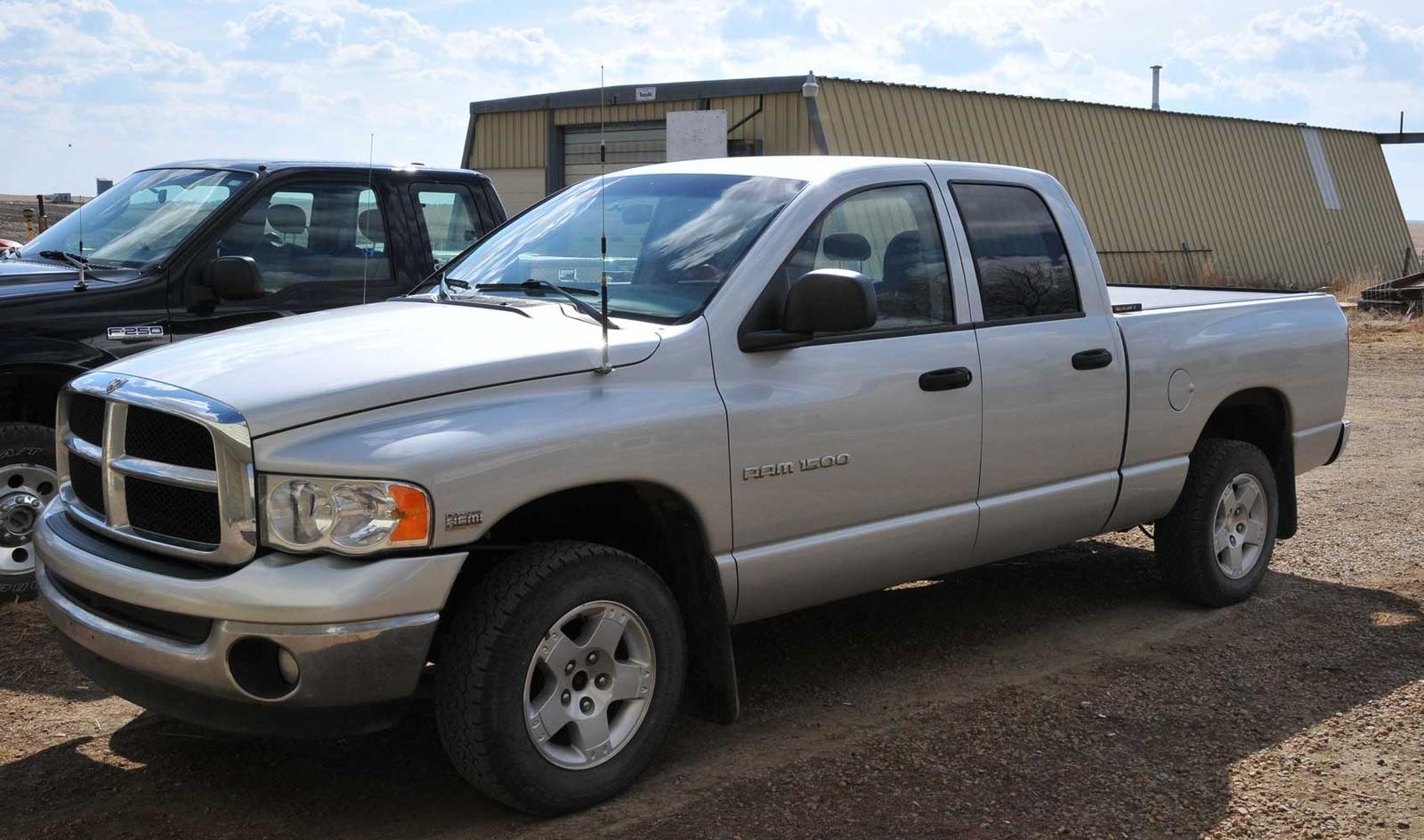 2004 dodge ram pickup 1500 4 dr slt 4wd crew cab sb picture exterior. Black Bedroom Furniture Sets. Home Design Ideas