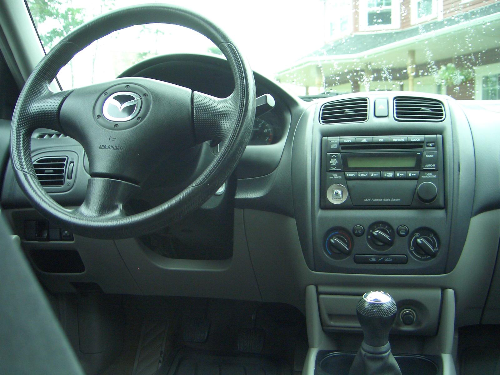 Mazda 3 2003 Interior