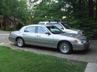 Picture of 1999 Lincoln Town Car Signature, exterior, gallery_worthy