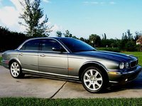 2004 Jaguar XJ-Series Picture Gallery