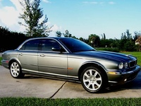 2004 Jaguar XJ-Series 4 Dr XJ8 Sedan picture, exterior