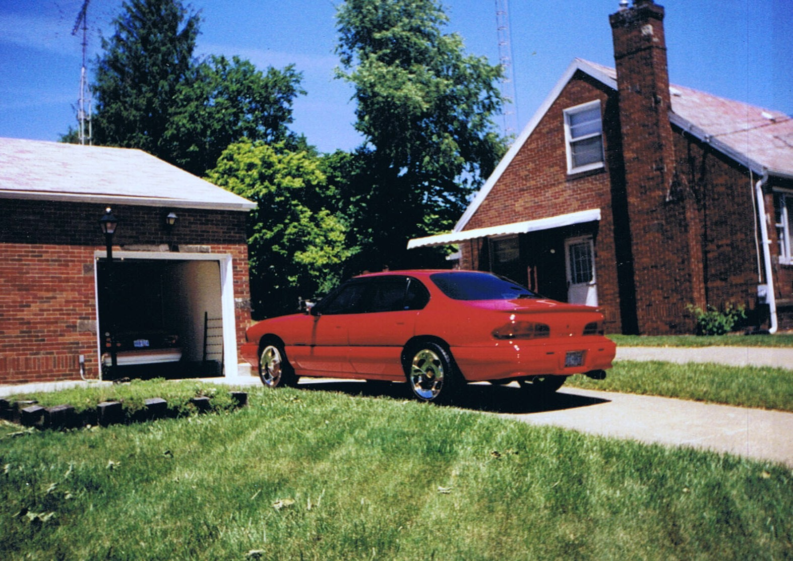 1995 Pontiac Bonneville 4 Dr SE Supercharged Sedan - Pictures - 1995 ...
