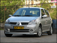 2004 Renault Clio Overview