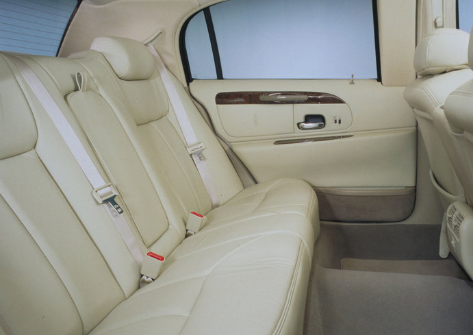 2010 Lincoln Town Car Interior. 2010 Lincoln Town Car,