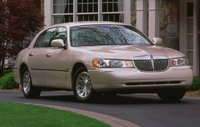 2000 Lincoln Town Car, Front Right Quarter View, manufacturer, exterior
