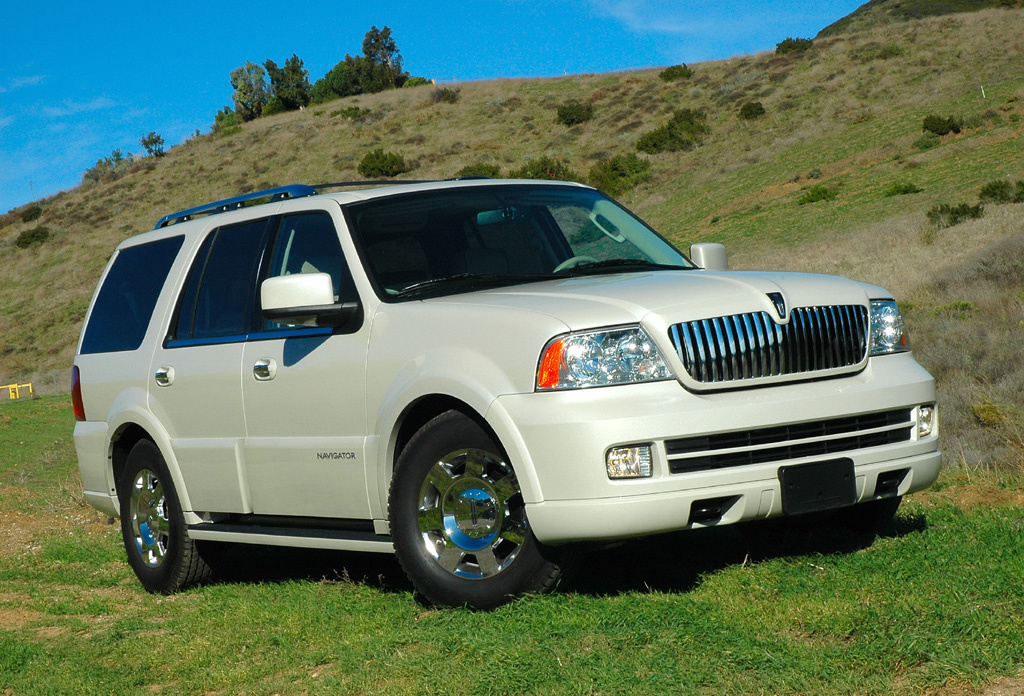 2005 Lincoln Navigator - Overview - CarGurus on