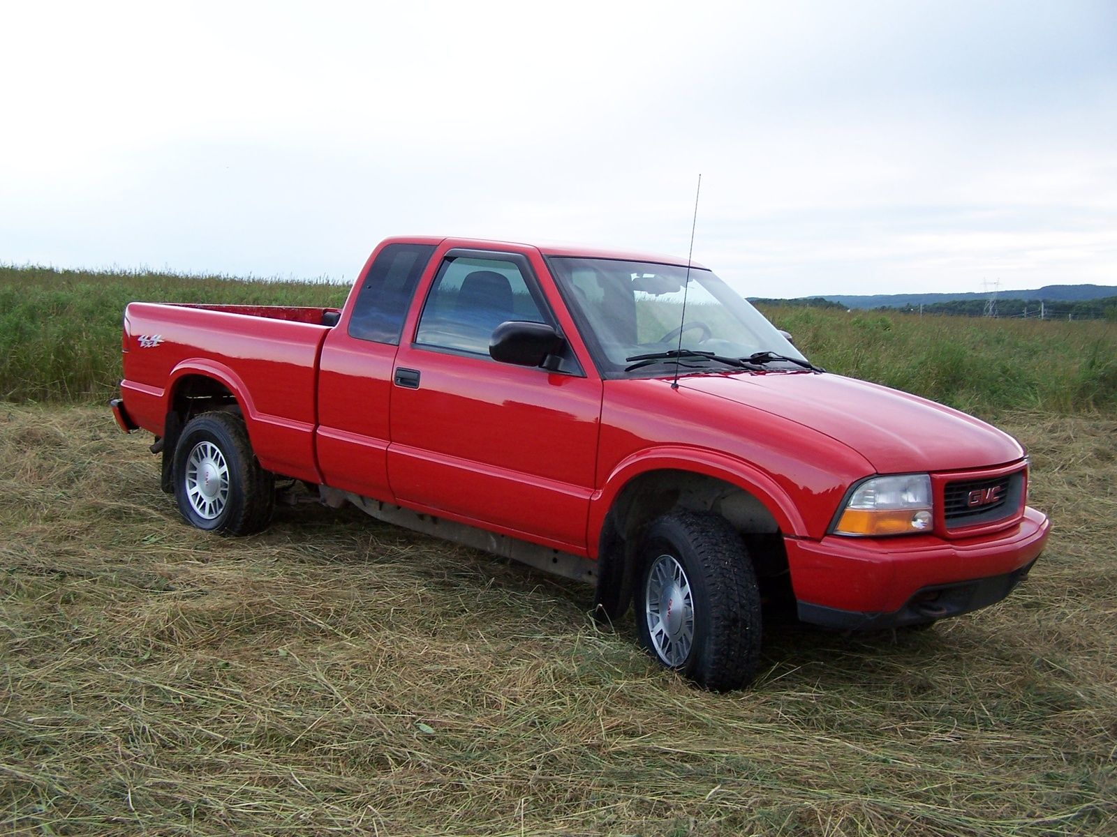 Filename 2000_gmc_sonoma_sls_ext_cab_short_bed_4wd pic 49949 jpeg
