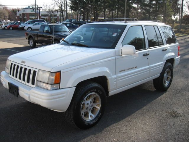 1997 Jeep Grand Cherokee 4 Dr Limited 4WD SUV picture